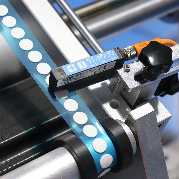 PST wrap label machine with label sensor for industry-1